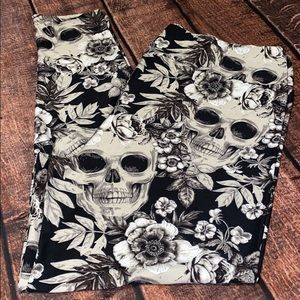 NEW LuLaRoe TC2 Floral Skull Halloween Leggings